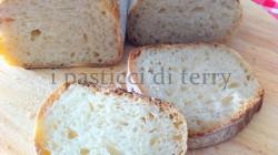 Filone di pane rustico