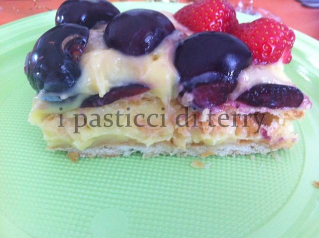 Sfoglia con crema e frutta 035