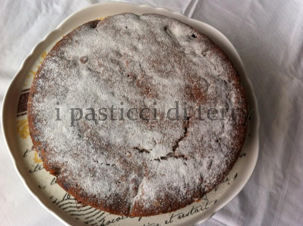 Torta soffice al ciococlato e pere 031