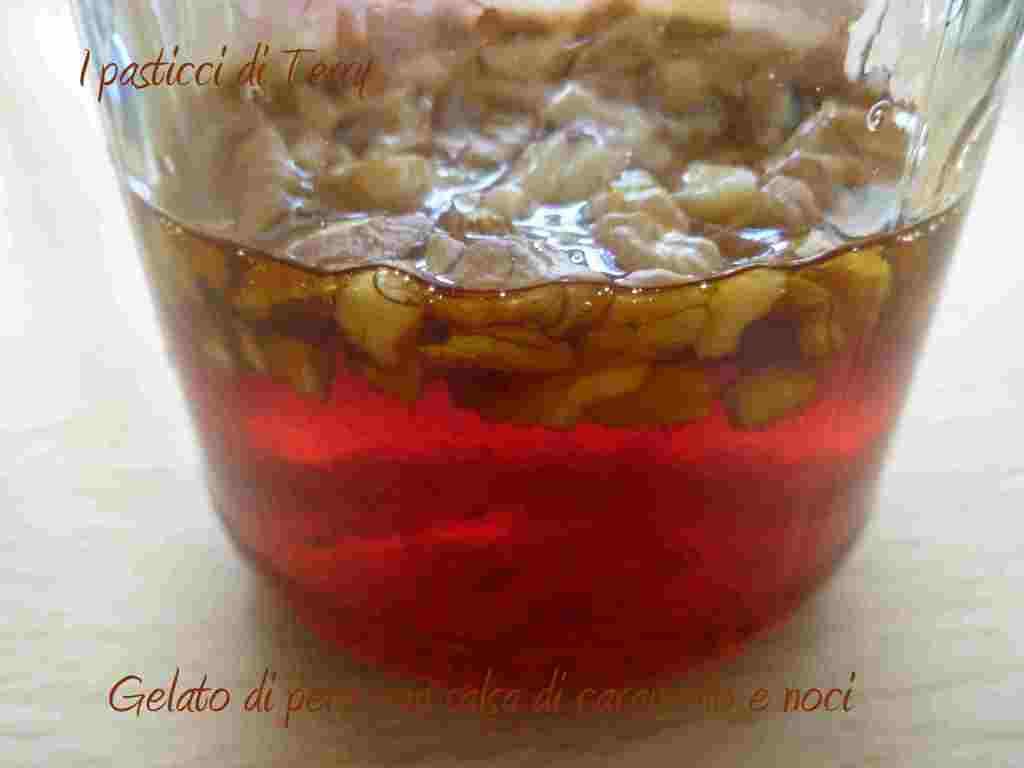 Gelato di pera con salsa caramello alle noci (4)