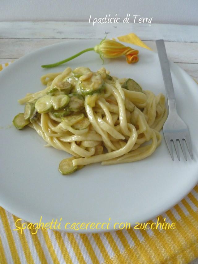 Spaghetti caserecci con zucchine (10)