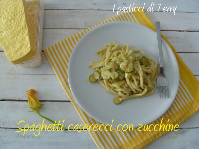 Spaghetti caserecci con zucchine (7)
