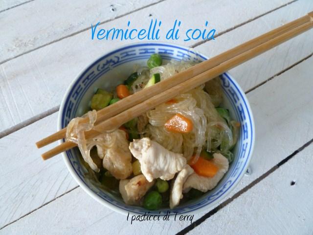 Vermicelli di soia con pollo e verdure (7)