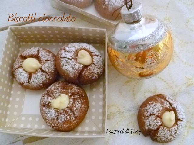 Biscotti al cioccolato farciti (6)