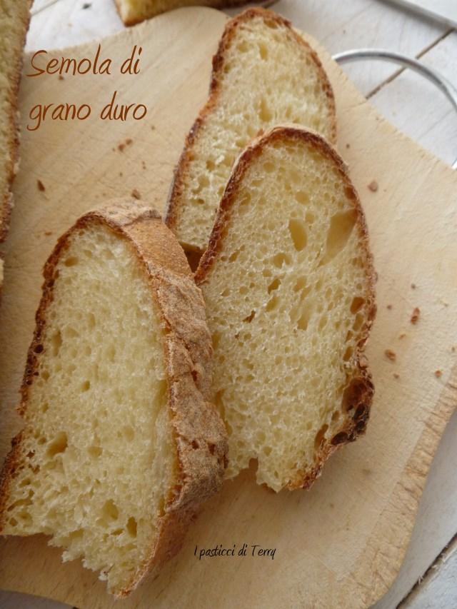 Pane di semola di grano duro (19)
