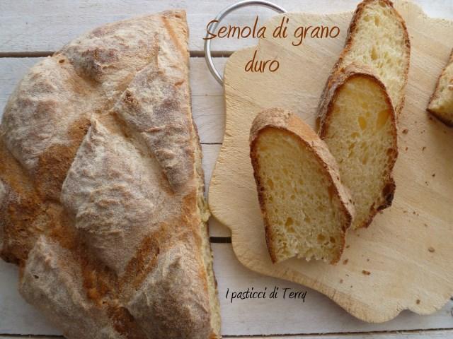 Pane di semola di grano duro (21)
