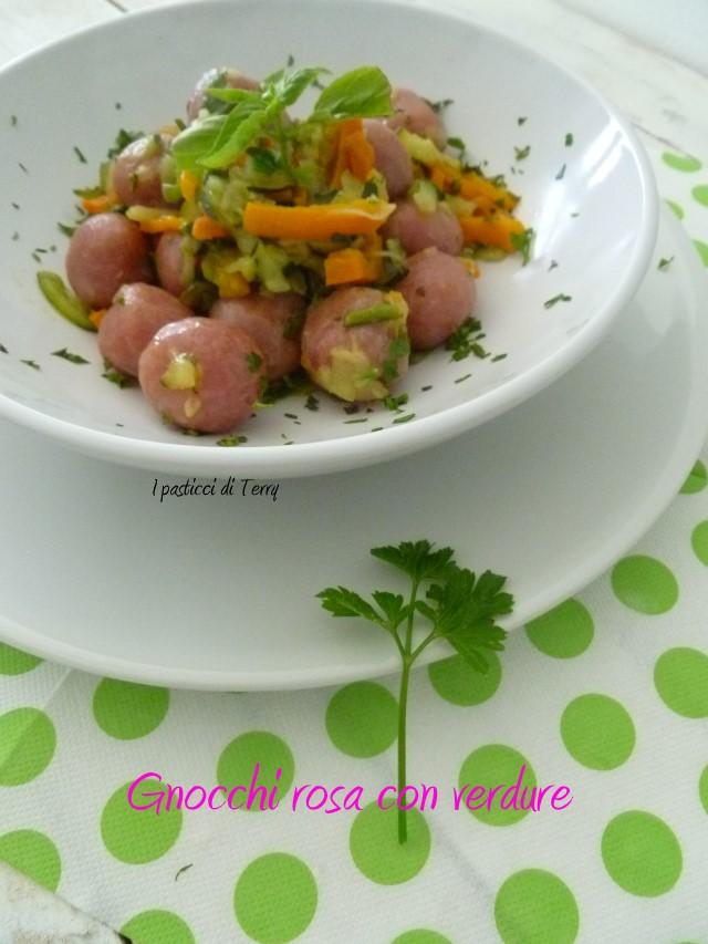 Gnocchi rosa con verdure (14)