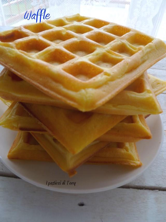 Waffle con crema di radicchio e salsiccia (5)