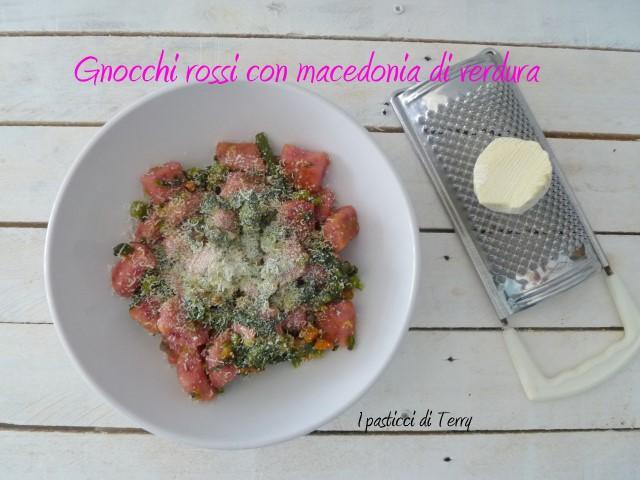 Gnocchi rossi con macedonia di verdure (11)