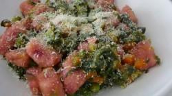 Gnocchi rossi con macedonia di verdure (9)