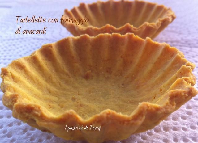 Tartellette con formaggio di anacardi (13-1)