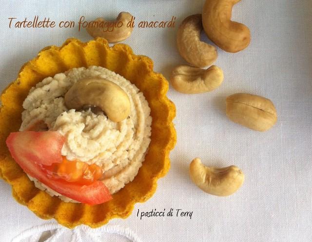Tartellette con formaggio di anacardi (33-1)