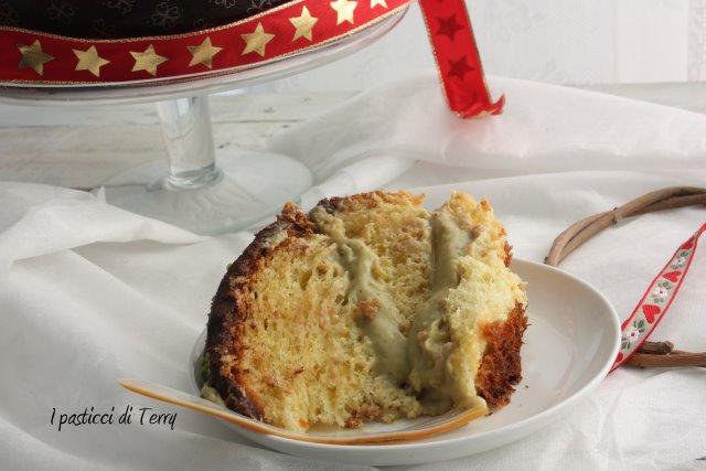 panettone-con-crema-di-pistacchio-e-cioccolato-6