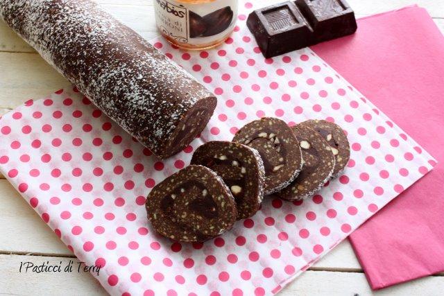 salame-di-cioccolato-e-crema-di-castagne-3