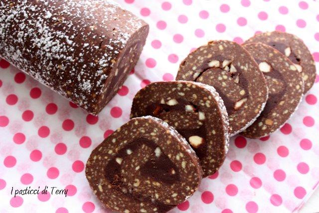 salame-di-cioccolato-e-crema-di-castagne-5