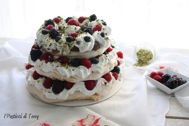 pavlova-naked-cake-15