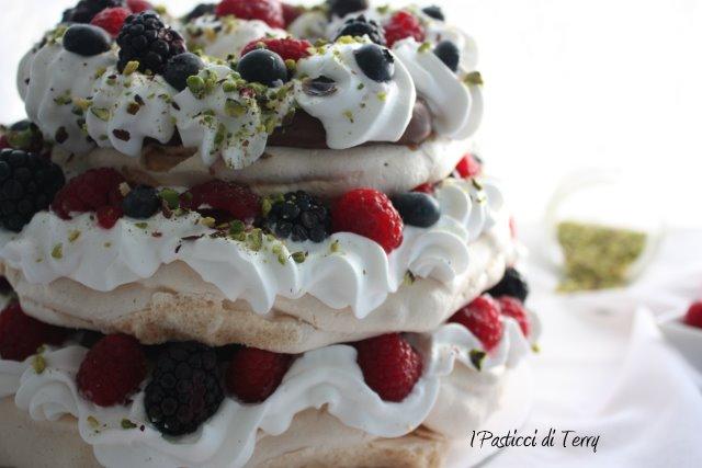 pavlova-naked-cake-17