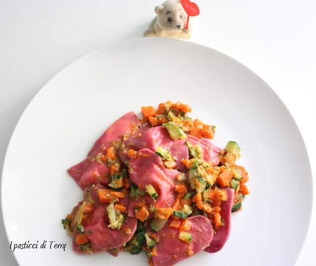 Cuori rossi con brunoise di verdure (10)