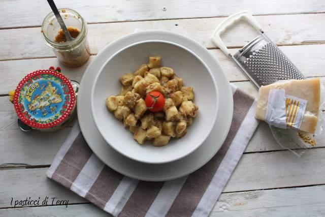 Gnocchi di ricotta con patè eoliano (7)