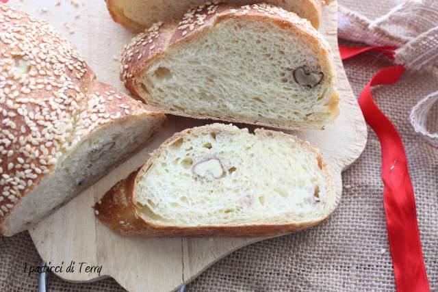 Torciglioni di pane con noci e semi di sesamo (19)