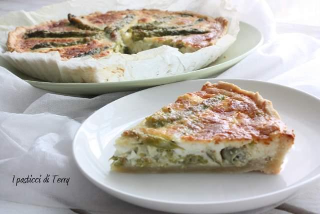 Quiche con asparagi fave e feta (10)