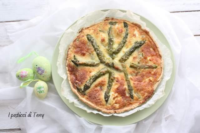 Quiche con asparagi fave e feta (6)