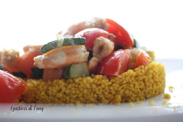 Cous cous alla curcuma con gamberetti e verdure (7)