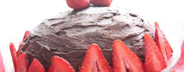 dolce con crema tiramisù e fragole (4)