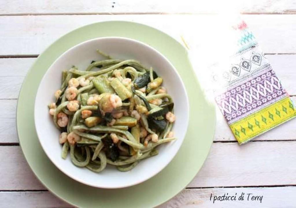 Spaghettoni quadri alle alghe in fiocchi (19)