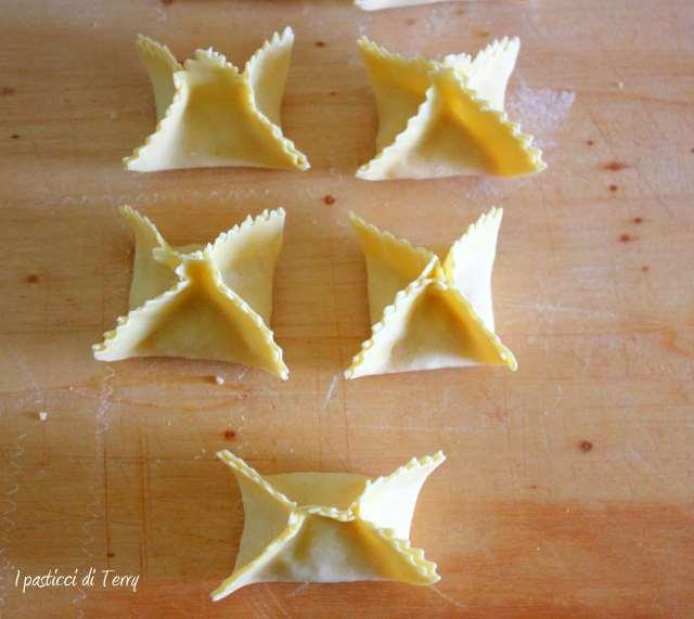 Fagottini all'uovo con mortadella e patate (11)