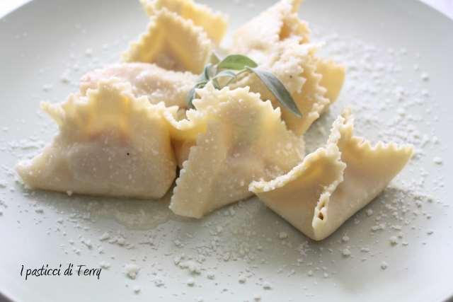 Fagottini all'uovo con mortadella e patate (13)