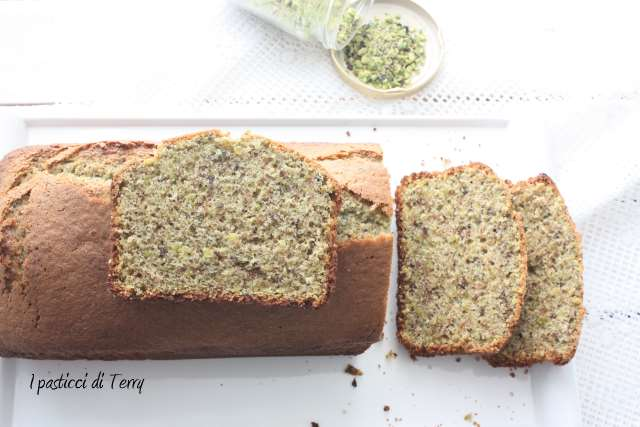 Plum cake ai pistacchi (8)
