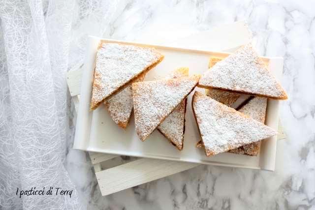 Tramezzini di torta con confettura (1)