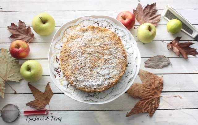 Torta Sbriciolata di semola e nocciole con mele caramellate (5)
