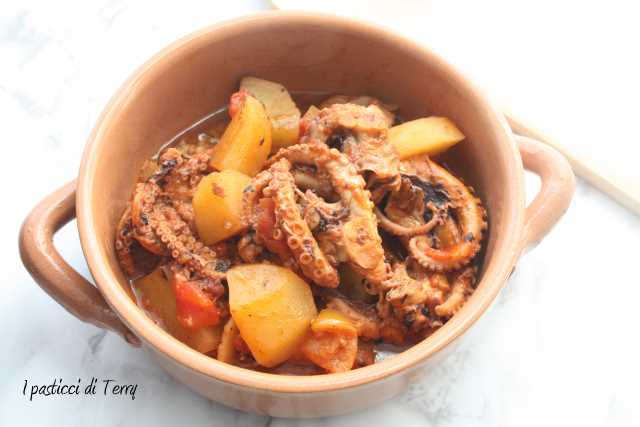 Polpo con patate e pomodori secchi (5)