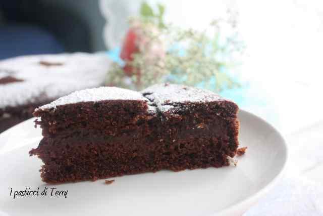 Torta doppia cottura cacao e confettura fragole (12)