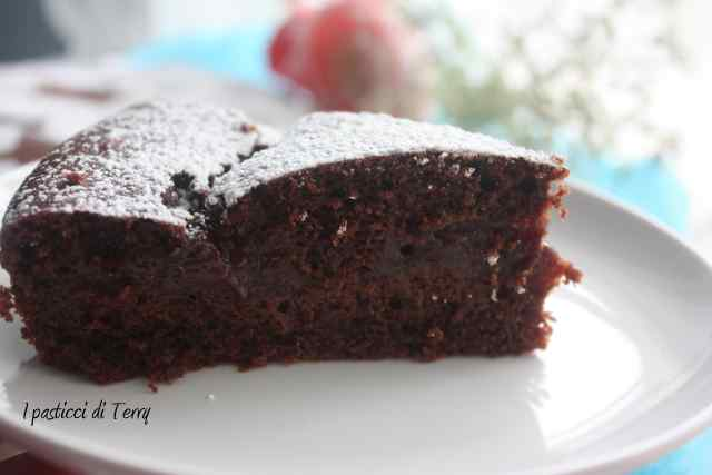 Torta doppia cottura cacao e confettura fragole (7)