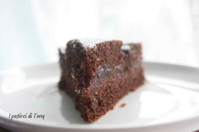 Torta doppia cottura cacao e confettura fragole (9)